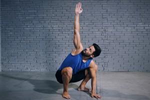 Deep squat-ı məşq planına daxil etməyin faydaları