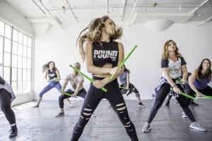 Fərqli məşqlərin kombinasiyası: Pound fitness